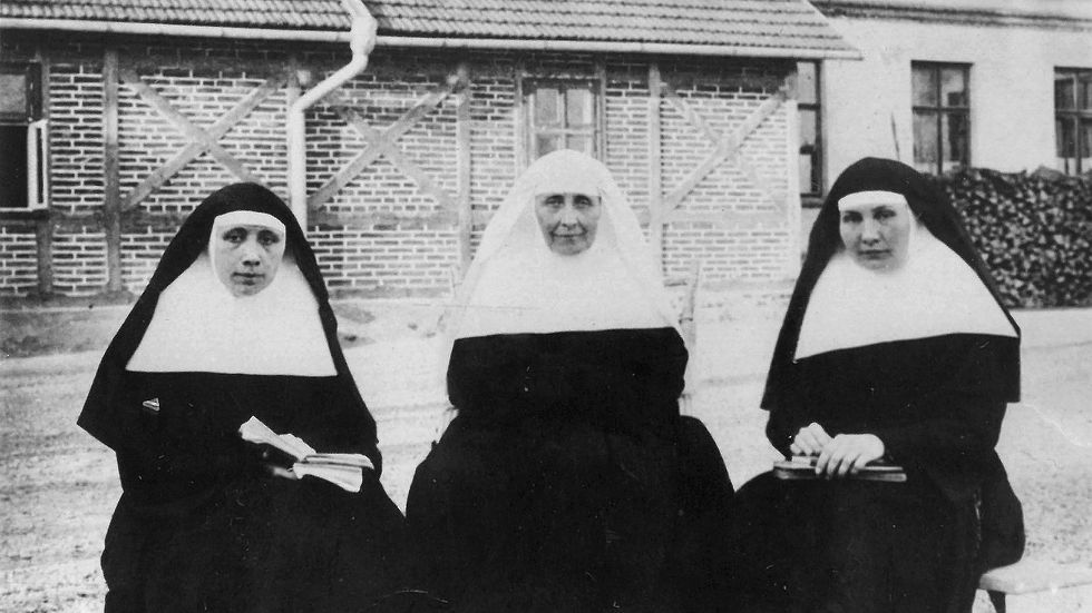 Od lewej - Elżbieta, Teresa i Cecylia Łubieńskie
