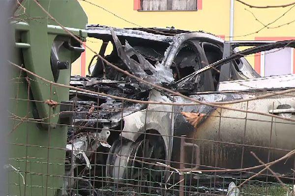 Osiem samochodów podpalonych w Gdańsku i Borkowie