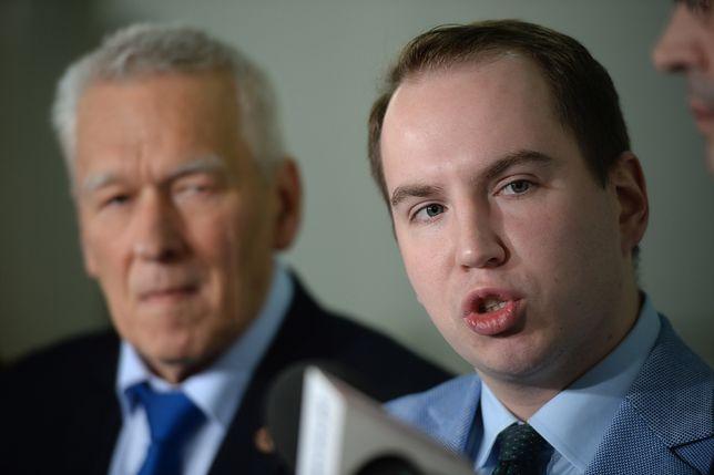 Minister Andruszkiewicz przestrzega przed FaceApp