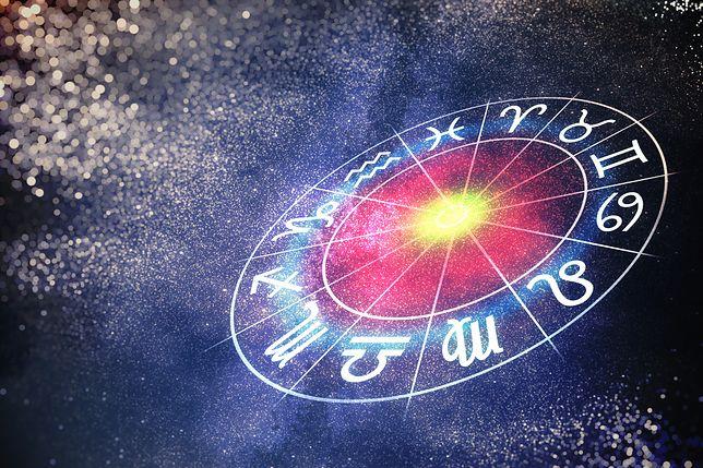 Horoskop dzienny na poniedziałek 22 października