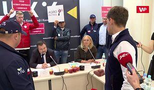"""Rolnicy wtargnęli na konferencję. Prezes UOKiK oburzony. """"Komedia"""""""