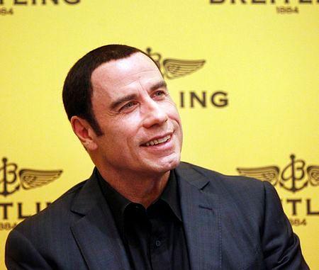John Travolta - to włosy czy hełm?