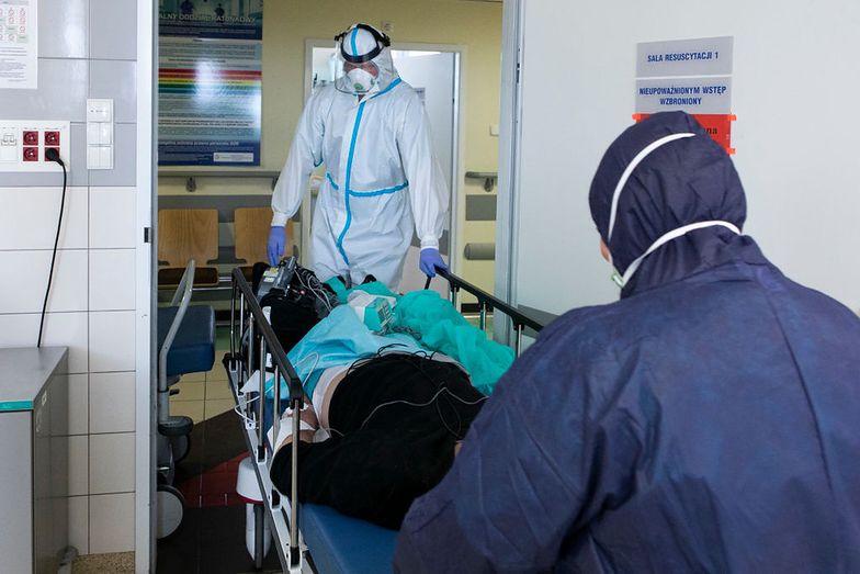 Pacjent nie został przyjęty do szpitala. Zmarł wracając do domu