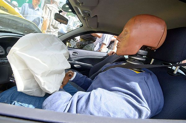 Konsumenci skarżą producenta samochodowych poduszek powietrznych