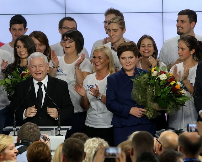 PiS: 37,7 proc. głosów. 232 mandaty w Sejmie. Frekwencja na Mazowszu: 58,3 proc.