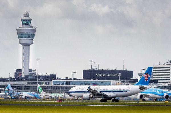 Amsterdam: ewakuacja lotniska