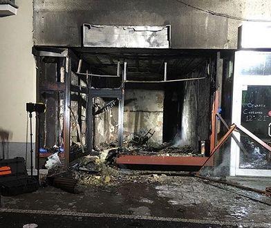 Całkowicie spłonął lokal usługowy