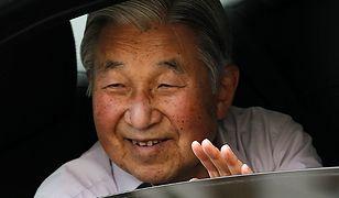 Cesarz Japonii Akihito zamierza abdykować. Władzę przejmie jego syn, książę Naruhito