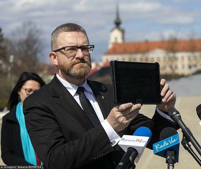"""Rzeszów. Grzegorz Braun deklaruje """"strefę wolną od lockdownu"""""""