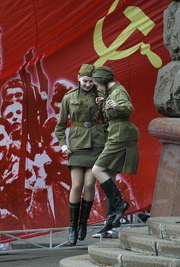 Rocznica zwycięstwa nad faszyzmem pretekstem do wybielenia komunizmu?