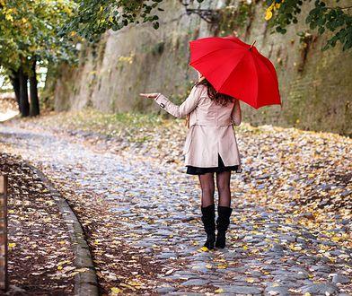 Jesienią parasol to niezbędny dodatek, który zawsze mamy w torebce