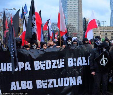 """""""Europa będzie biała, albo bezludna"""" - głosił jeden z transparentów na Marszu Niepodległości"""