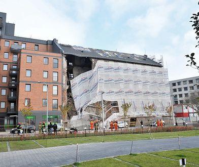 Warszawa. Na Pradze zawalił się fragment kamienicy
