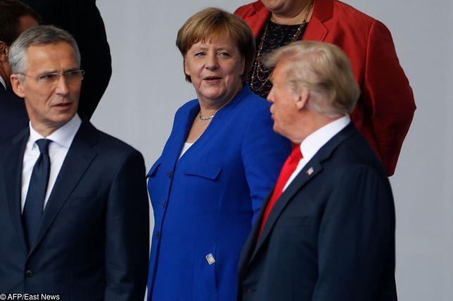 Szef NATO Jens Stoltenberg, kanclerz Niemiec Angela Merkel i prezydent USA Donald Trump podczas szczytu Sojuszu w Brukseli