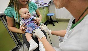 Telewizja Polska prowadzi akcję antyszczepionkową? Eksperci reagują