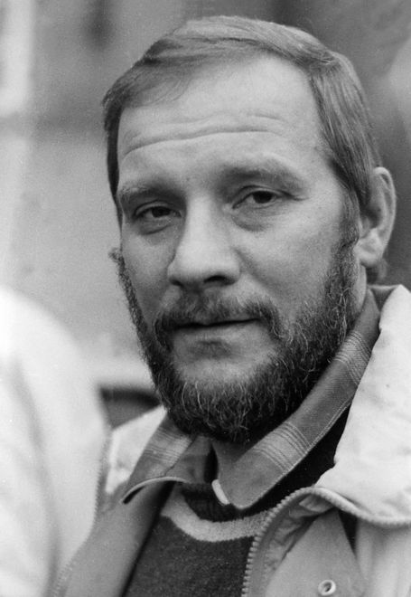 """Jerzy Kukuczka zmarł 30 lat temu. """"Nie interesuje mnie gra o małe stawki"""". Sylwetka wybitnego himalaisty."""