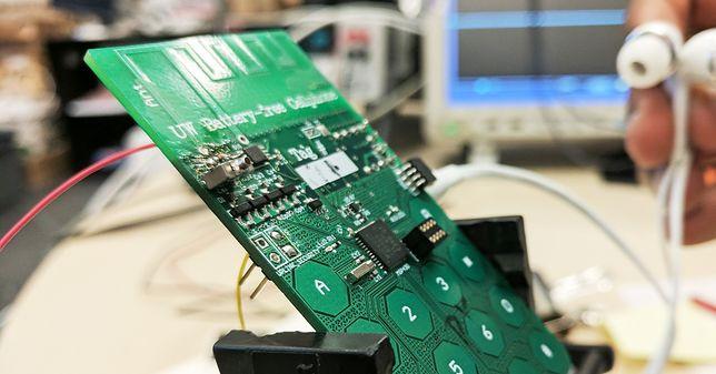 Telefon, który nie potrzebuje baterii, aby działać. Prototyp robi wrażenie!