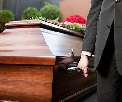 Koszt pogrzebu przewyższa wysokość zasiłku pogrzebowego