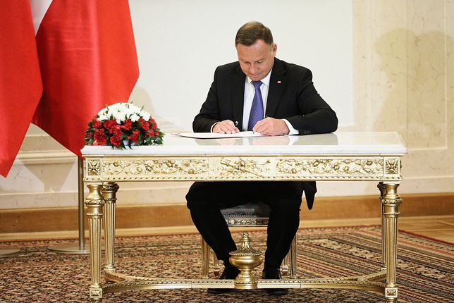 Bon turystyczny. Andrzej Duda nie pochwali się nim przed II turą wyborów?