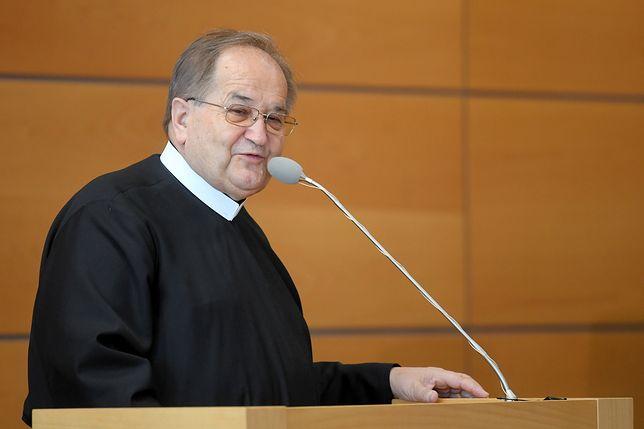 Ojciec Tadeusz Rydzyk złożył na ręce Roberta Winnickiego podziękowania za katolicką i patriotyczną postawę