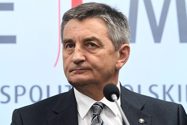 Dokumenty pokazują, że był dodatkowy lot z żoną marszałka Sejmu Marka Kuchcińskiego
