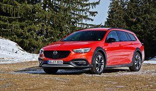 Opel Insignia Country Tourer wygląda jak terenowe kombi, ale taka ocena jest nieodpowiednia
