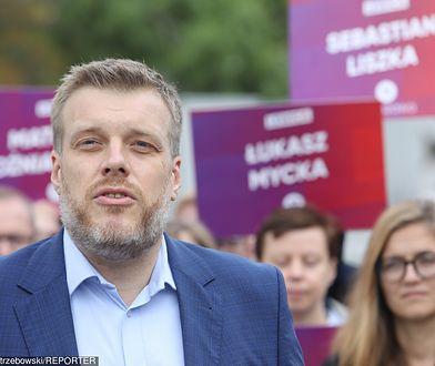 Adrian Zanderg otwiera listę Lewicy w Warszawie