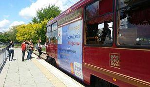 Zabytkowy tramwaj wraca na warszawskie tory