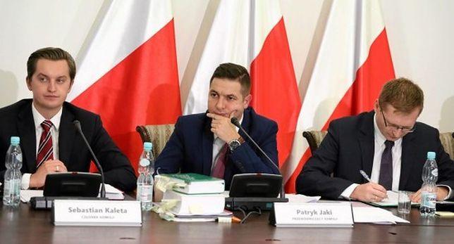 Komisja weryfikacyjna podczas posiedzenia