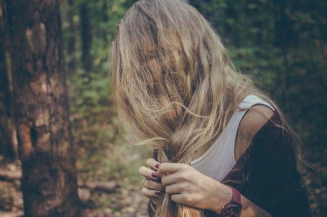 Kolor włosów 2020 stawia przede wszystkim na naturalność i subtelność.
