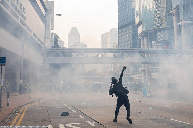 Hongkong. Policja postrzeliła manifestanta, ranny jest w stanie krytycznym