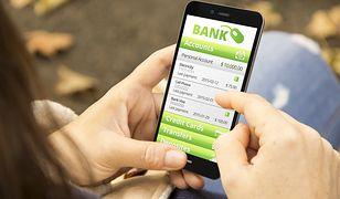 Przerwy techniczne w bankach. Sprawdź, czy zaopatrzyć się w gotówkę