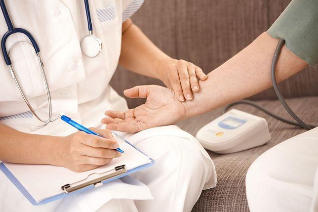 Nie będzie podwyżek dla pielęgniarek z domów pomocy społecznej. Rząd umywa ręce