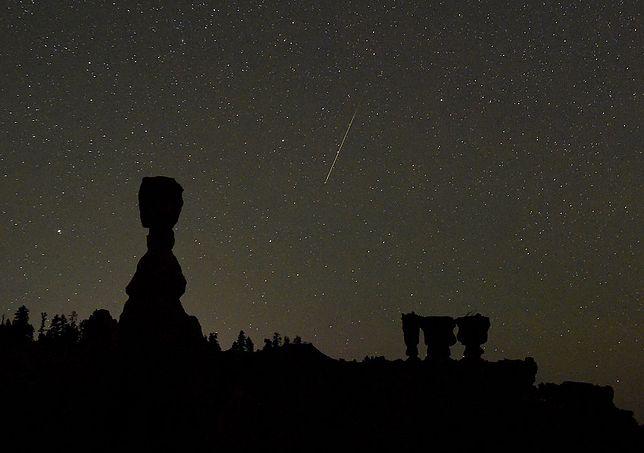 Geminidy zaobserwujemy w dniach 7-17 grudnia.