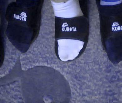 Klapki Kubota stały się kultowe. Od czwartku można je kupić w Biedronce.
