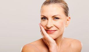 Pielęgnacja skóry dojrzałej to nie lada wyzwanie, z którym poradzą sobie odpowiednie kosmetyki