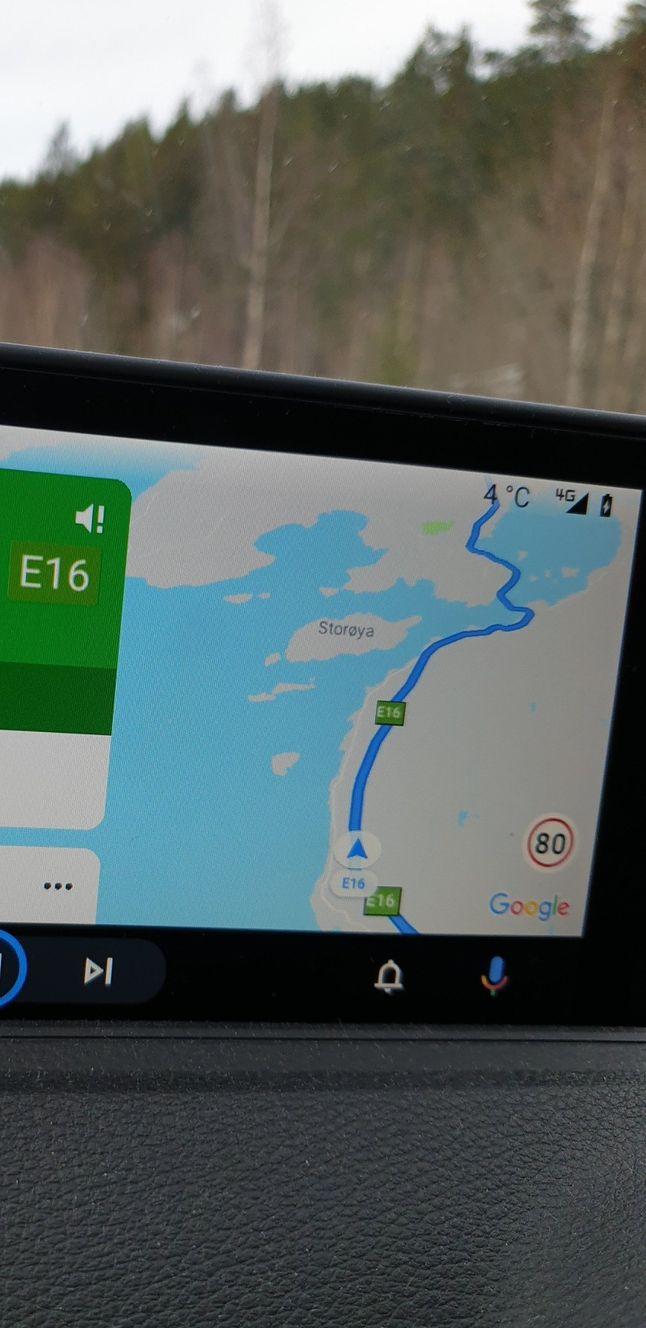 Ograniczenie prędkości w Androidzie Auto w samochodzie, fot. reddit (ELIscientist)