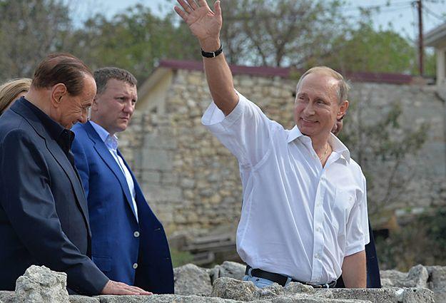 Władimir Putin podczas niedawnej wizyty na Krymie razem z byłem premierem Włoch Silvio Berlusconim