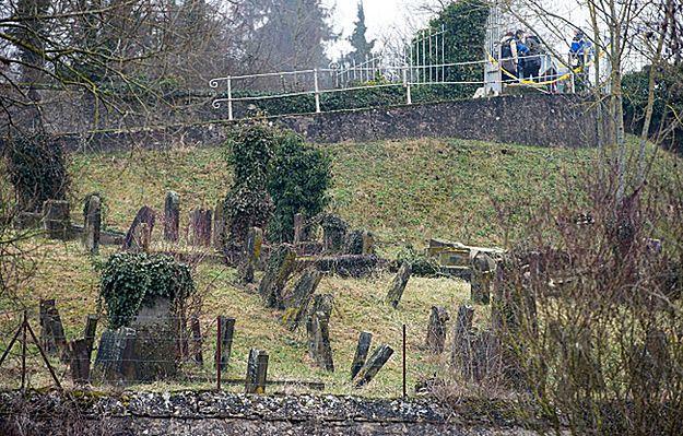Zatrzymano pięciu nieletnich w związku z profanacją cmentarza we Francji
