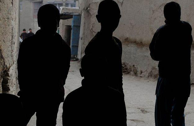 Chłopcy do tańca i do... Dramat afgańskich bacza bazi