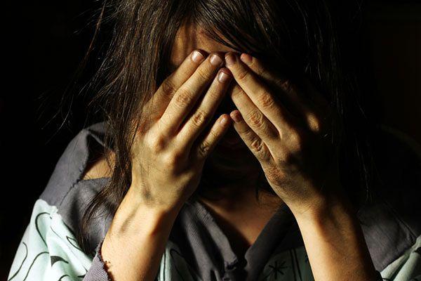 Przez 9 lat służyła jako niewolnica. Bili ją i gwałcili