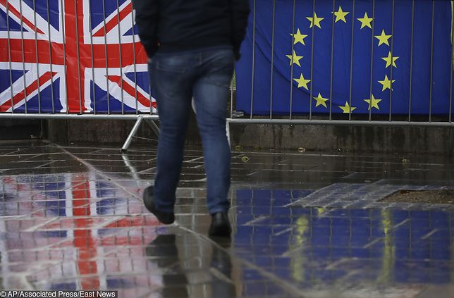Brexit. Kurs funta reaguje po porozumieniu między Brukselą a Londynem