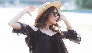 Kombinezon to wygodny i modny wybór podczas ciepłych dni