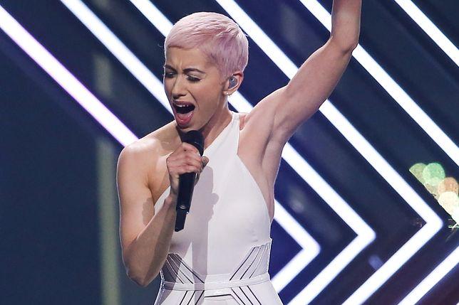Wbiegł na scenę podczas występu. Rzucił się i próbował wyrwać mikrofon wokalistce Wielkiej Brytanii