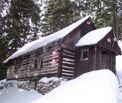 Chatka pod Śnieżnikiem. Śmierć turysty na szlaku. We wtorek sekcja zwłok