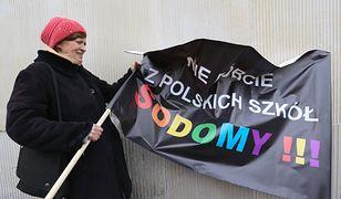 Warszawa. Protest rodziców ws. karty LGBT+
