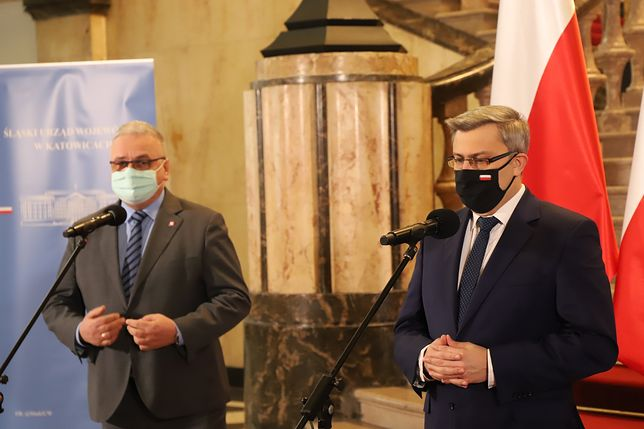Katowice. Wojewoda śląski Jarosław Wieczorek poinformował o akcji testowania na obecność koronawirusa wśród nauczycieli.