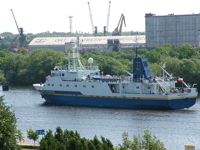 Statek Nawigator XXI Akademii Morskiej w Szczecinie (źródło: Wikipedia)