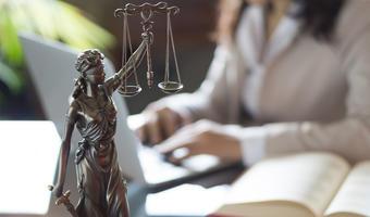 Praca radcy prawnego w Bydgoszczy — gdzie szukać i ile można zarobić?