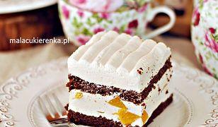 Ciasto brzoskwiniowa chmurka. Warstwowe pyszności na specjalne okazje